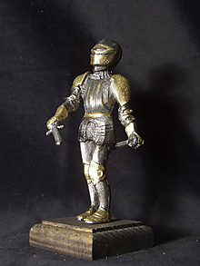 Socha - Kolekcia rytierov v zbroji (rytier v zbroji s mečom a dýkou) - 9669618_