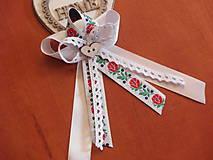 - Č. 287 Veľké folklórne pierka s krajkou pre svadkov, rodičov - 9674589_