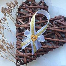 Darčeky pre svadobčanov - Stužky na fľaše bielo-zlaté - 9673187_