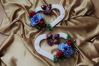Kytice pre nevestu - Svadobné srdcia na auto ľudové - 9677420_