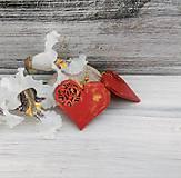 Náušnice - Náušnice srdce - červené (zlatý bižutérny háčik) - 9675839_