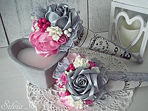 Dekorácie - Kornútok.Ruže zo stúh. - 9675572_