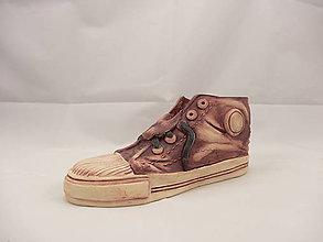 Dekorácie - Teniska Converse (stojan na perá, stojan na štetce, ťažítko, kvetináč) (Hnedá) - 9677146_