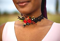 - Choker náhrdelník z kolekcie