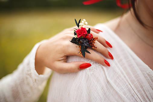 """Kvetinový prstienok z kolekcie """"krása ženy"""""""