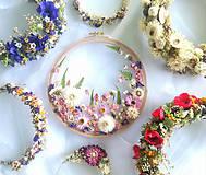 Dekorácie - Obraz vyšívaný kvetmi - 9681348_