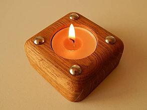 Svietidlá a sviečky - Malý dubový svietnik (Oak candle holder) - 9683765_