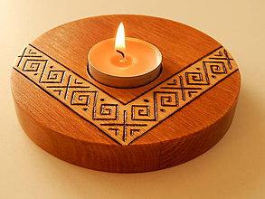 "Svietidlá a sviečky - Drevený svietnik ""Čičmany"" - 9683875_"
