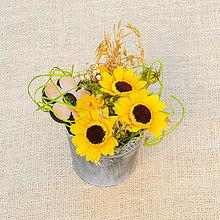 Dekorácie - Letná dekorácia so slnečnicami - 9685598_