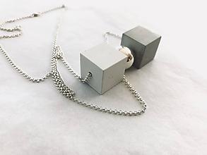 Náhrdelníky - Betónový prívesok - Cubes point - na Ag retiazke - 9684645_