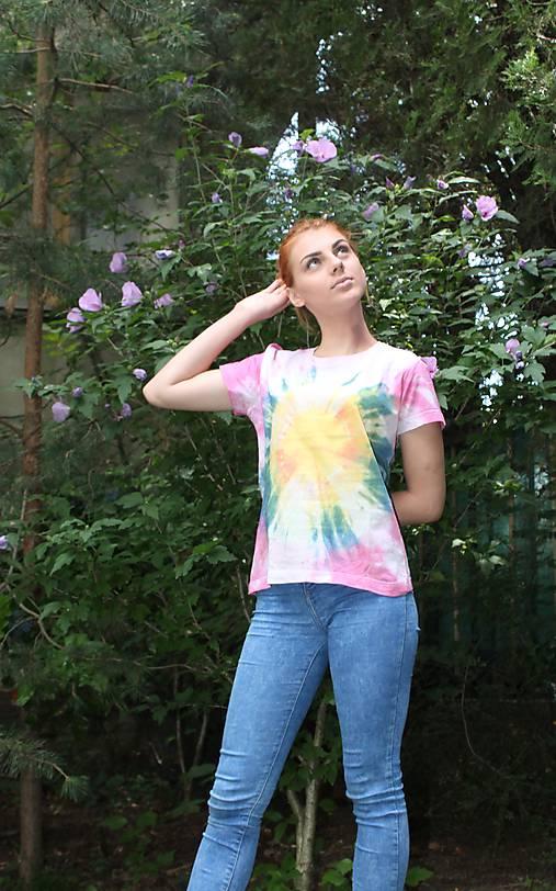 Hippies batikované tričko dúhové slnko