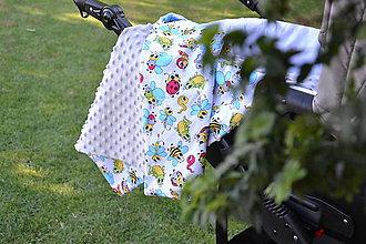 Textil - Svetlošedá minky a veselé chrobáčiky - 9683801_