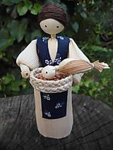 Dekorácie - Šúpolienka - dievča kŕmi vtáčikov - 9687164_