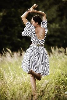 Šaty - Čierno-biele prúžkované šaty Slavianka - 9689408_