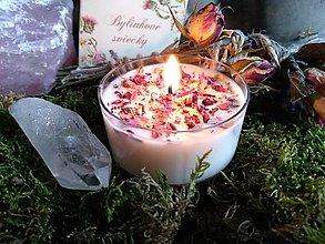 Svietidlá a sviečky - Rituálna bylinková sviečka – Láska - 9688865_