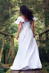 Šaty - Svadobné šaty s červenou výšivkou - 9689891_