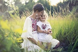 Šaty - Žoržetové šaty s červenou výšivkou Slavianka - 9689434_