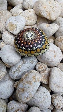 Dekorácie - Nie je všetko zlato, ... - Na kameni maľované - 9692619_