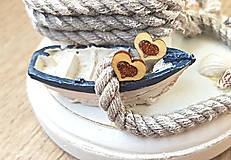 Náušnice - Napichovacie náušnice srdiečka, drevo, živica (Zlatá) - 9691123_