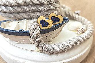 Náušnice - Napichovacie náušnice srdiečka, drevo, živica (Modrá) - 9691136_