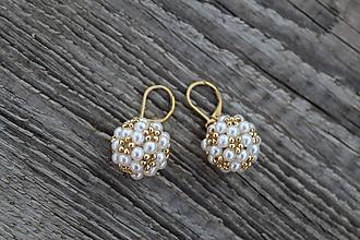 Náušnice - náušnice PP biele perličky (náušnice bielo - zlaté) - 9693826_