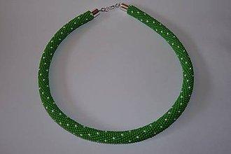 Náhrdelníky - Zelený náhrdelník s bodkami - 9693104_