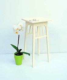 Nábytok - Kvetinový stolík - 9695608_