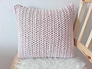 Úžitkový textil - POUDRE TOUCH háčkovaný vankúš - 9693226_