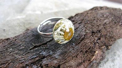 Prstene - Živicový prsteň s kvietkami (s margarétkou č. 2272) - 9694776_