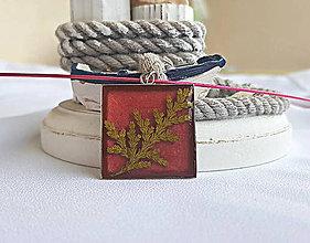 Náhrdelníky - Živicový náhrdelník s tujou, bordový - 9694995_