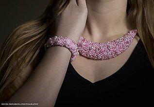 Náhrdelníky - Bielo-ružový náhrdelník - 9697929_