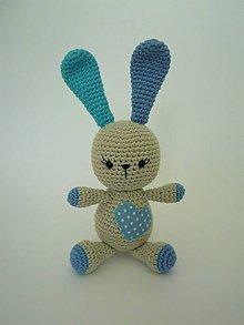 Hračky - Háčkovaný zajačik so srdiečkom (Modrá) - 9697411_