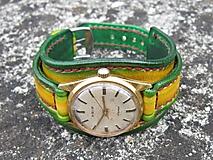Náramky - Dámske vintage hodinky PRIM , žlto-zelený kožený remienok - 9698789_