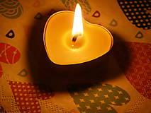 Svietidlá a sviečky - Srdiečková čajová sviečka - 9696155_