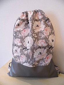 Batohy - Batoh - ruksak -ruže a strieborná eko koža - 9700904_