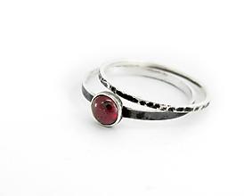 Prstene - sada strieborných prsteňov Gothiс s granátom - 9702906_
