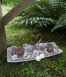 Dekorácie - milý darček k svadbe: zaľúbené labute - 9706165_