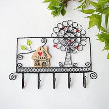 Nábytok - vešiak domček a strom (svetlý domček) - 9708632_