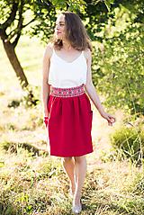Sukne - Malinová sukňa s krížikovou výšivkou - 9707428_