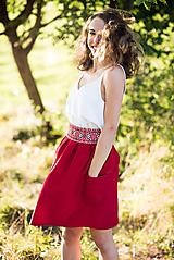 Sukne - Malinová sukňa s krížikovou výšivkou - 9707430_