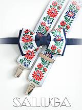 Folklórny pánsky modrý biely motýlik a traky - folkový - ľudový
