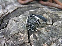 Prstene - Strieborny prsteň Ag925 Vltavín - 9708129_