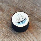 Krabičky - Maľovaná šperkovnička s plachetnicou - 9710547_