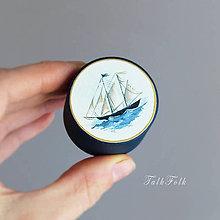 Prstene - Maľovaná šperkovnička s plachetnicou - 9710546_