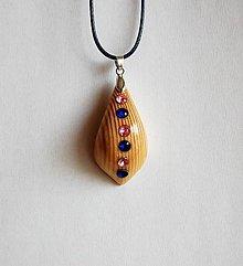 Náhrdelníky - Drevený náhrdelník - Shiny Folk - 9712515_