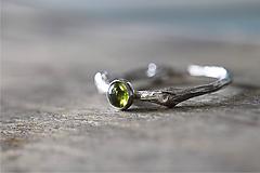 Prstene - Vetvičkový strieborný s olivínom - 9715211_