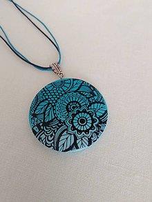 Náhrdelníky - prívesok s maľovanými kvetmi - 9716672_