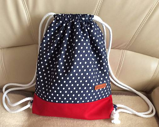 riflový batoh (bodky s červenou)