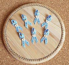 Pierka - pierko svetlomodré so štvorlístkami a dreveným gombíkom v tvare srdiečka - 9719445_