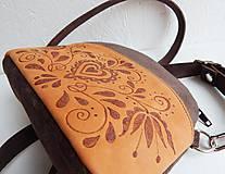 """Kabelky - PETIT """"Folk"""" mini kabelka s vypaľovaným obrázkom - 9718499_"""